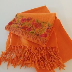 Accessories - Pashmina scarf